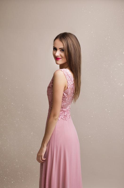 ... Dámské plesové a společenské dlouhé šaty Rosie růžové empty 3bdcf9d741