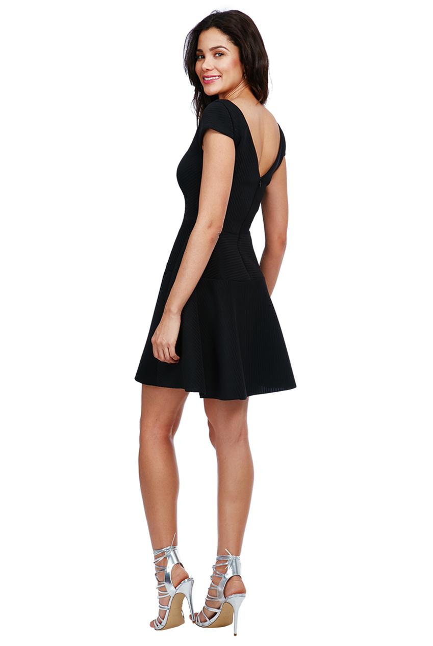 d2effb8b1b Dámské šaty s kolovou sukní Dámské šaty s kolovou sukní empty