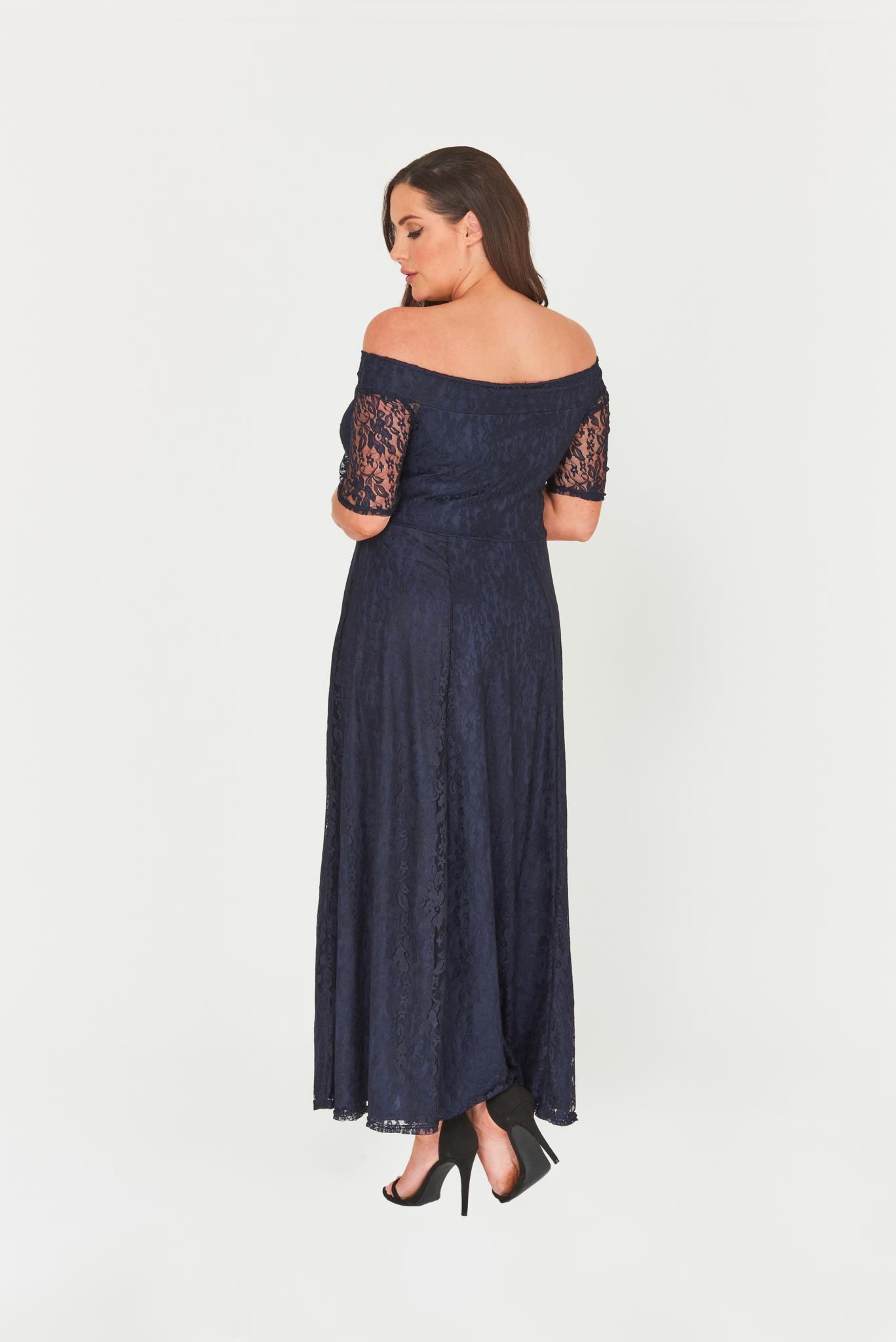 1bb97b9ebc83 Společenské krajkové šaty MARBLE s odhalenými rameny Společenské krajkové  šaty MARBLE s odhalenými rameny empty