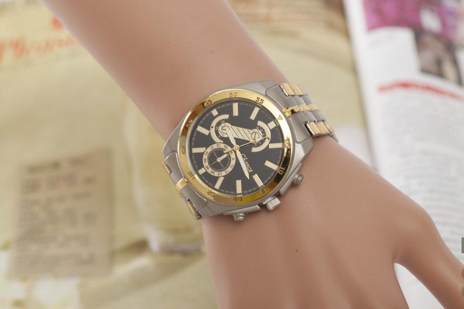 bc4f534c35c Pánské hodinky kovovým páskem