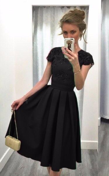 72b2a26d501 Dámské saténové šaty s krajkou černé