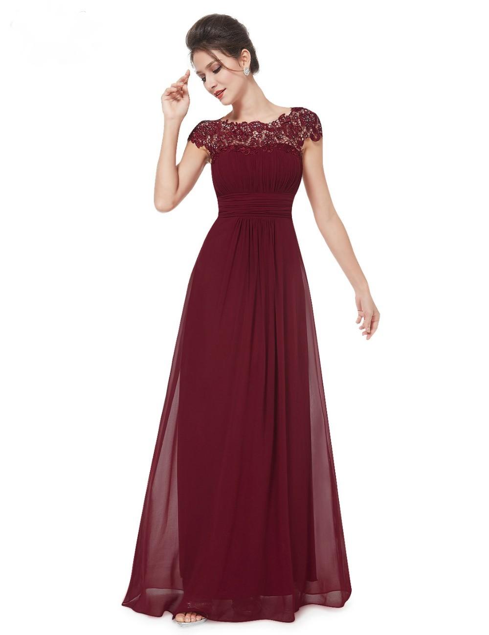 4941c3a7446f Ever Pretty plesové a společenské šaty s krajkou 94EV bordó