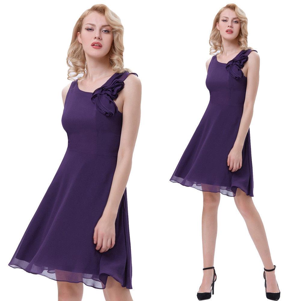 5d2be34f1dbc Koktejlové společenské šaty s květinou fialová