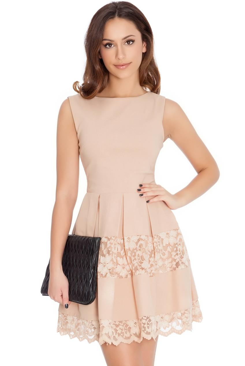 Dámské šaty krátké s krajkou 5a7c7aad2ec