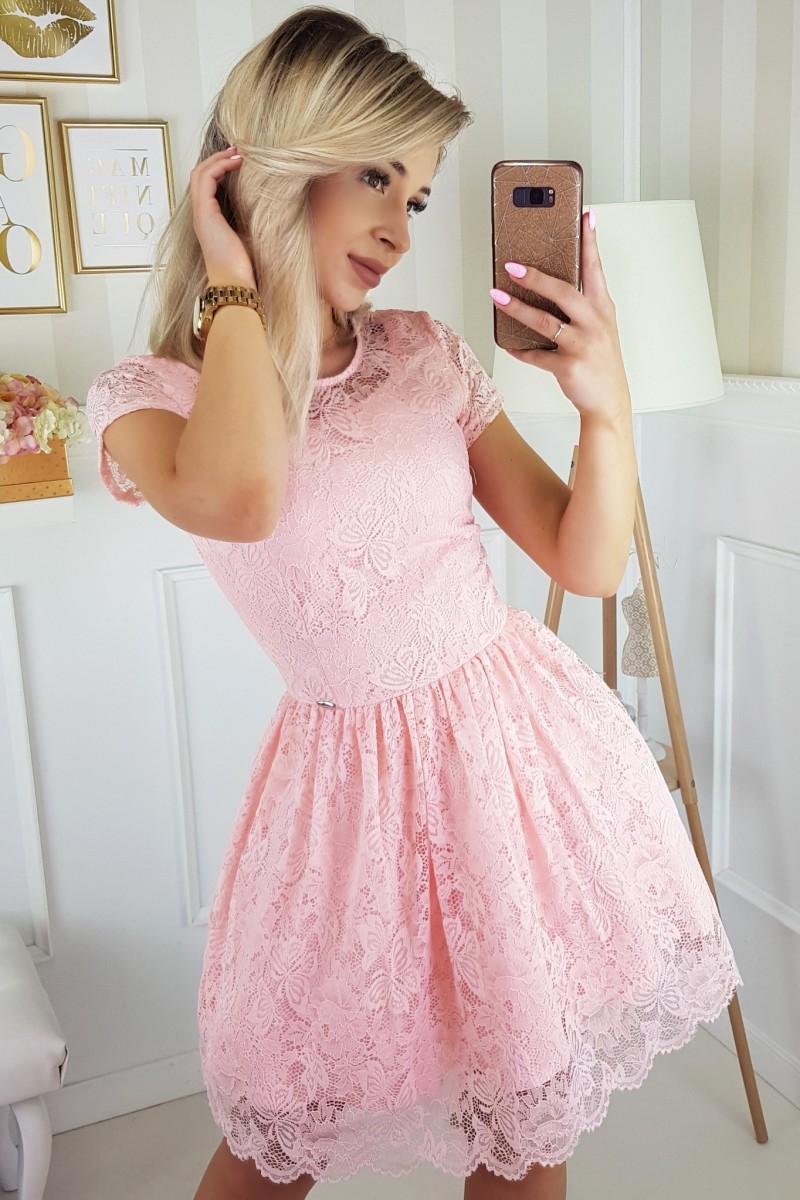 ab18130a75ca Krajkové krátké šaty růžové