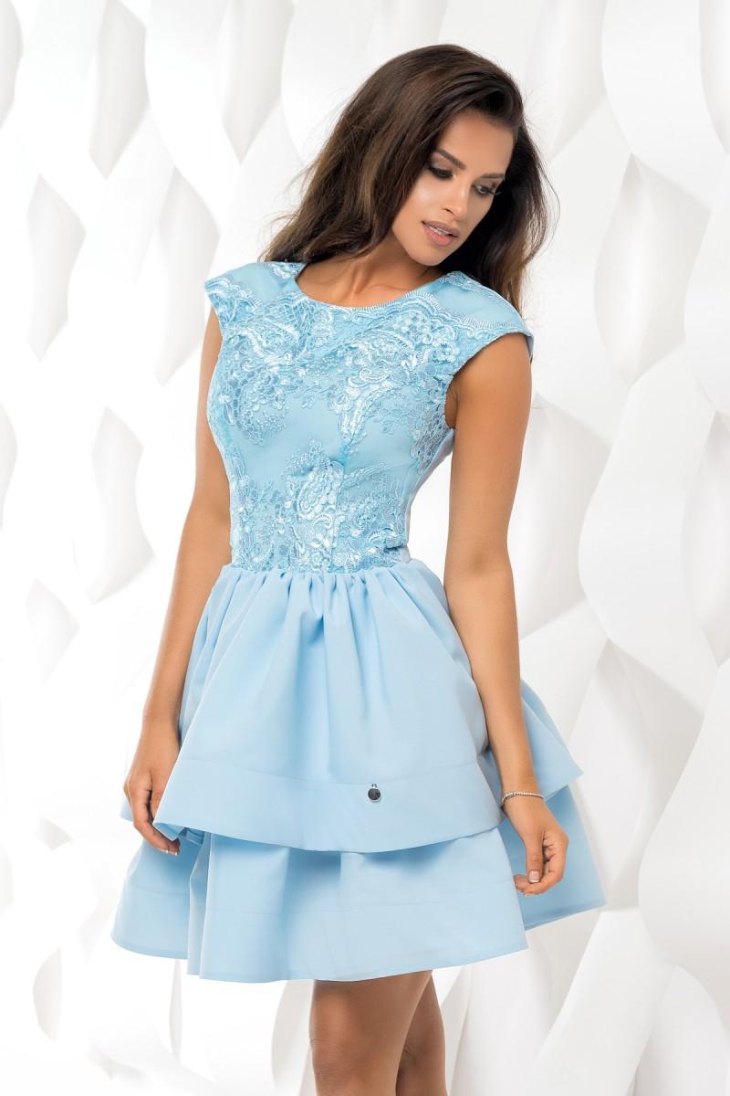 1032a6732c6e Koktejlové krátké šaty s dvojitou sukní modrá