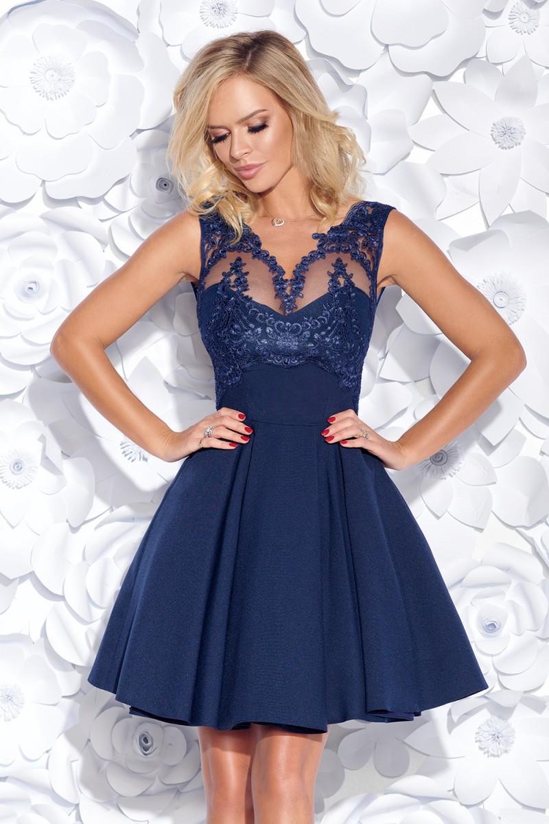 d3de9c300efd Dámské koktejlové šaty s krajkovým živůtkem modrá
