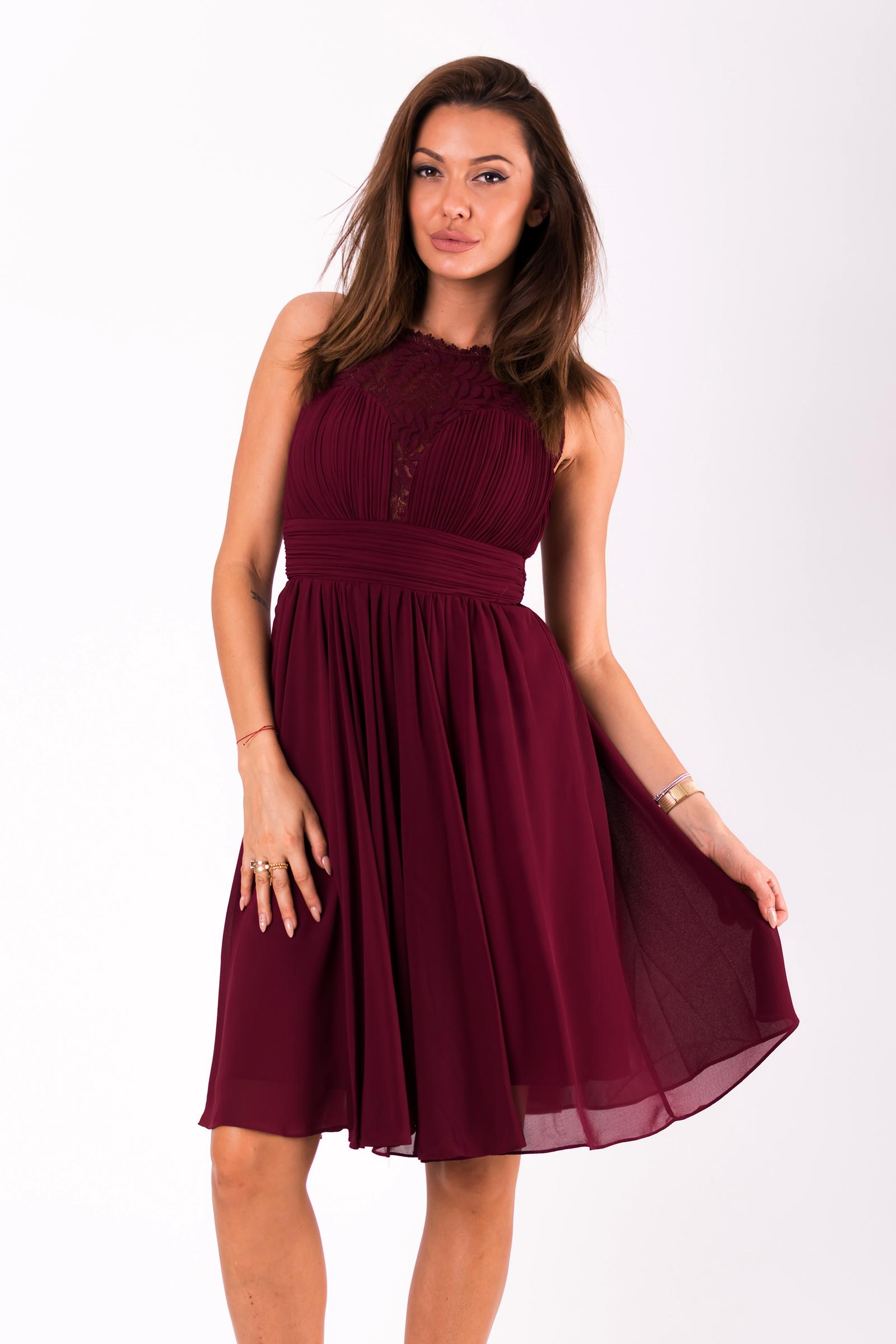 Dámské společenské šaty Louise bez rukávů s krajkou bordó 586494a1d9