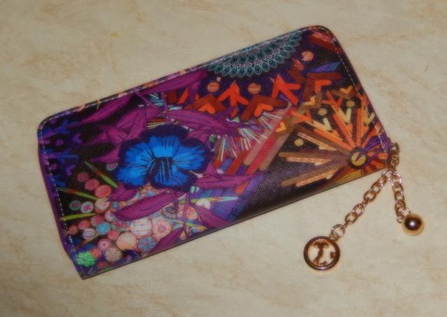 Nádherná dámská peněženka (Dámská peněženka)