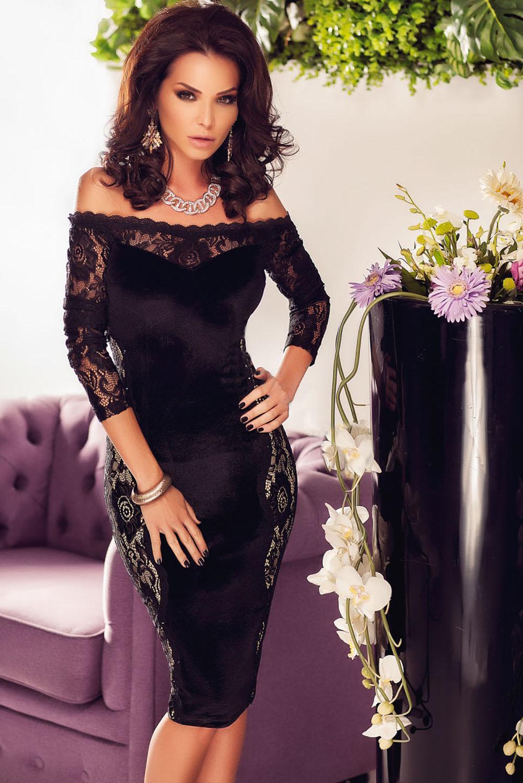 Sametové šaty s krajkou 15H černá (Dámské šaty)